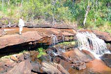 isabella falls cooktown battlecamp road