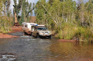 Crossing weeli wooli creek pilbara
